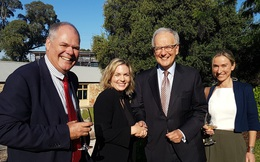 Bị Trung Quốc ép, Úc chuẩn bị kiện lên WTO