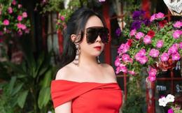 Phượng Chanel trẻ trung, sành điệu xuất hiện trên phố