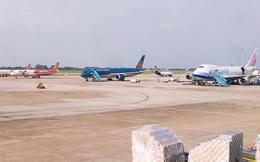 Máy bay lăn quá vạch dừng tại sân bay Nội Bài, tiềm ẩn rủi ro mất an toàn