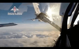 Video: Tiêm kích MiG-31 của Nga có chuyến bay lịch sử đầu tiên qua Cực Bắc