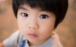 Cha mẹ đừng vội mừng nếu con có 2 biểu hiện sau, bởi có thể con đang gặp vấn đề tâm lý nghiêm trọng