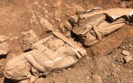 Bí ẩn về bức tượng bị mất đầu trong mộ cổ