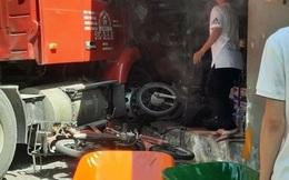 Xe đầu kéo đâm vào nhà dân rồi cuốn nhiều xe máy vào gầm ở Sài Gòn, 1 người tử vong, thi thể vùi dưới đống đổ nát