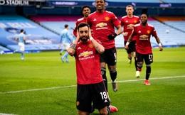 """Man United """"bắn hạ"""" Man City bằng 2 tuyệt chiêu; Tottenham hồi sinh ngoạn mục với Bale"""