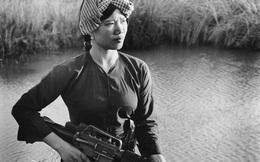 Vẻ đẹp nữ du kích miền Nam Việt Nam cầm súng M-16 trong kháng chiến chống Mỹ