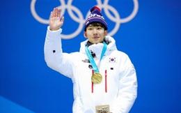 """Olympic Bắc Kinh: Sau vụ tụt quần đồng đội, nhà vô địch người Hàn bất ngờ """"biến thành"""" người TQ"""