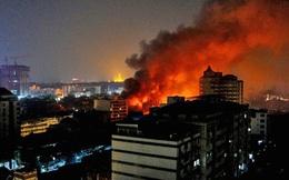 Tòa nhà thuộc khu an ninh cao của quân đội Myanmar bốc cháy ngùn ngụt giữa giờ giới nghiêm