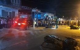 Hiện trường vụ tai nạn ở Đại Lộc: Ô tô 7 chỗ lao lên hiên nhà dân, 4 xe máy bị tông nằm ngổn ngang
