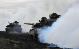 Nga và Ukraine tiến hành tập trận quân sự cùng lúc, NATO họp khẩn