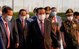"""Ông Hun Sen: """"Campuchia đang ở bờ vực tử thần"""""""