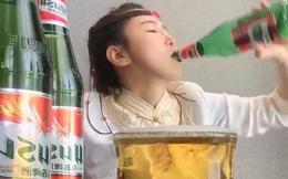 Trào lưu đáng sợ của giới streamer Trung Quốc: Tu rượu theo chai, uống đến ói mửa trên sóng - kiếm tiền bất chấp vậy liệu có đáng?