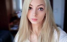 """Cô gái giống búp bê Barbie như đúc mà không cần """"dao kéo"""""""
