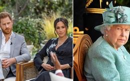 """Nữ hoàng Anh lần đầu tiên xuất hiện công khai sau 5 tháng """"ở ẩn"""", dạy cho vợ chồng Meghan bài học một cách đầy tinh tế"""