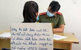 Bị dừng xe kiểm tra, cô gái rút điện thoại livestream xúc phạm CSGT