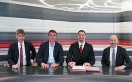 Ibrahimovic gia hạn hợp đồng với Milan thêm 1 năm