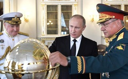 """Đòn """"tâm lý chiến"""" của ông Putin: Nga rập rình """"lên cò súng"""""""