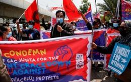 Biểu tình phản đối sự xuất hiện của Thống tướng Min Aung Hlaing ở Jakarta (Indonesia)