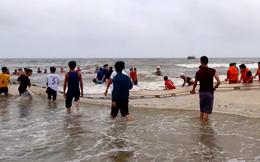 Vụ 4 nam sinh mất tích trên biển: Thi thể 2 nam sinh dạt vào bờ cách hiện trường 7km
