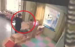 Cha mẹ bật camera vào giờ ăn trưa, phát hiện hành động tội ác, lập tức báo cảnh sát khiến cô giáo bị đuổi việc