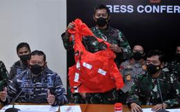 Tàu chìm, 53 người hy sinh: Indonesia công bố hình ảnh đau lòng, nạn nhân lấy đồ thoát hiểm nhưng chưa kịp mặc