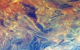 Ngỡ ngàng với những hình ảnh siêu thực của Trái Đất nhìn từ không gian