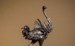 Bí mật của bức tượng đà điểu nhỏ bán được hơn 58 tỷ đồng giúp cả gia đình đổi đời