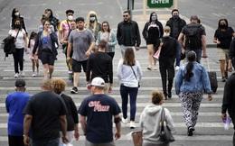 CDC nới lỏng quy định, nhiều người dân Mỹ ra ngoài không cần khẩu trang