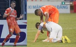 Cầu thủ lò Barca khiến Hà Nội FC ôm hận, Duy Mạnh thất vọng đổ gục xuống sân