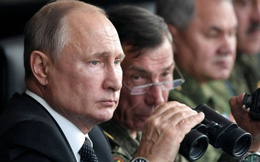 """Nga """"đại công cáo thành"""", rút quân chờ Ukraine: Kịch hay vẫn còn?"""