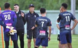 HLV tuyển Thái Lan lên tiếng than thở vì các học trò bị vắt kiệt sức