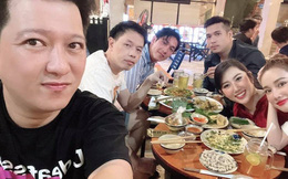 Thúy Ngân đón tuổi 30 bên Trương Thế Vinh cùng dàn sao đình đám, cứ kè kè với nhau thế này bảo sao netizen không nghi đang hẹn hò!