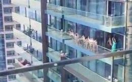 Các cô gái khỏa thân trên ban công ở Dubai chịu một hình phạt bất ngờ