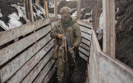 Căng thẳng với Nga gia tăng, Tổng thống Ukraine lập tức đến Donbass