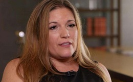 """Mỹ: Vào khoang lái máy bay, nữ tiếp viên """"tá hỏa"""" khi thấy cảnh phát trực tiếp từ toilet"""