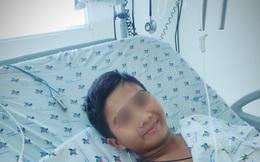 Điều trị khẩn cấp cho bé trai bị rắn lục đuôi đỏ cắn 4 lần
