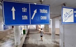 Hà Nội: Trốn lực lượng chức năng, người dân chui xuống hầm đi bộ tập thể dục