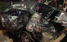 Người phụ nữ chết thảm trong xe con bị xe tải vò nát
