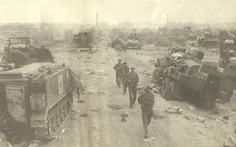 """Cuộc truy kích """"vô tiền khoáng hậu"""", địch tháo chạy tán loạn: Hừng hực khí thế tiến về Sài Gòn"""