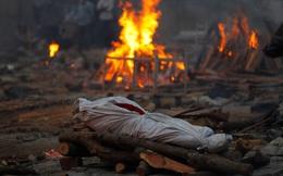 """Ngôi làng Ấn Độ tuyệt vọng """"tay không chống giặc"""" Covid-19: 1 tháng chết bằng 3 năm, chỉ có cứu tinh duy nhất"""