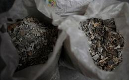 Ám ảnh những bao tải tro cốt vô thừa nhận ở Ấn Độ