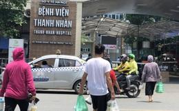 Ảnh: Cửa hàng ăn uống quanh bệnh viện ở Hà Nội chỉ bán mang về