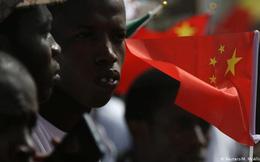 """Chiến lược """"ngoại giao sân vận động"""" của Trung Quốc, một công thức chiến thắng ở châu Phi"""