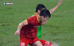 Tiền vệ tuyển Việt Nam dập xương bàn chân sau pha va chạm đáng tiếc ở buổi tập