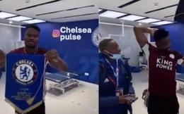 Tiền vệ Leicester nhận mưa chỉ trích vì ném cờ Chelsea sau chung kết FA Cup