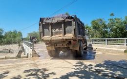 """Xe tải chở đất """"cày nát"""" đường dân sinh, đe doạ công trình thuỷ lợi, dân cầu cứu"""