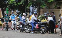 Hà Nội: Phát hiện một người dân trốn khỏi khu cách ly về nhà đi chợ bán hàng