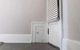 Phát hiện cánh cửa nhỏ ẩn trong tường nhà mới, chủ nhà hỏi dân mạng, đáp án càng gây hoang mang
