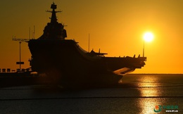 """Mẫu hạm Liêu Ninh vừa rời biển Đông, Trung Quốc """"xua"""" luôn tàu sân bay thứ 2 vào tập trận"""