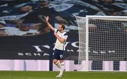 Như muốn khóc, Kane đi vòng quanh sân chào CĐV Spurs
