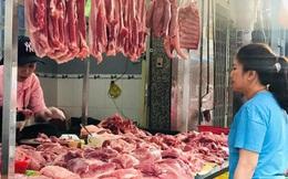 Thịt lợn hơi đang giảm giá nhưng chợ và siêu thị vẫn bán giá trên trời